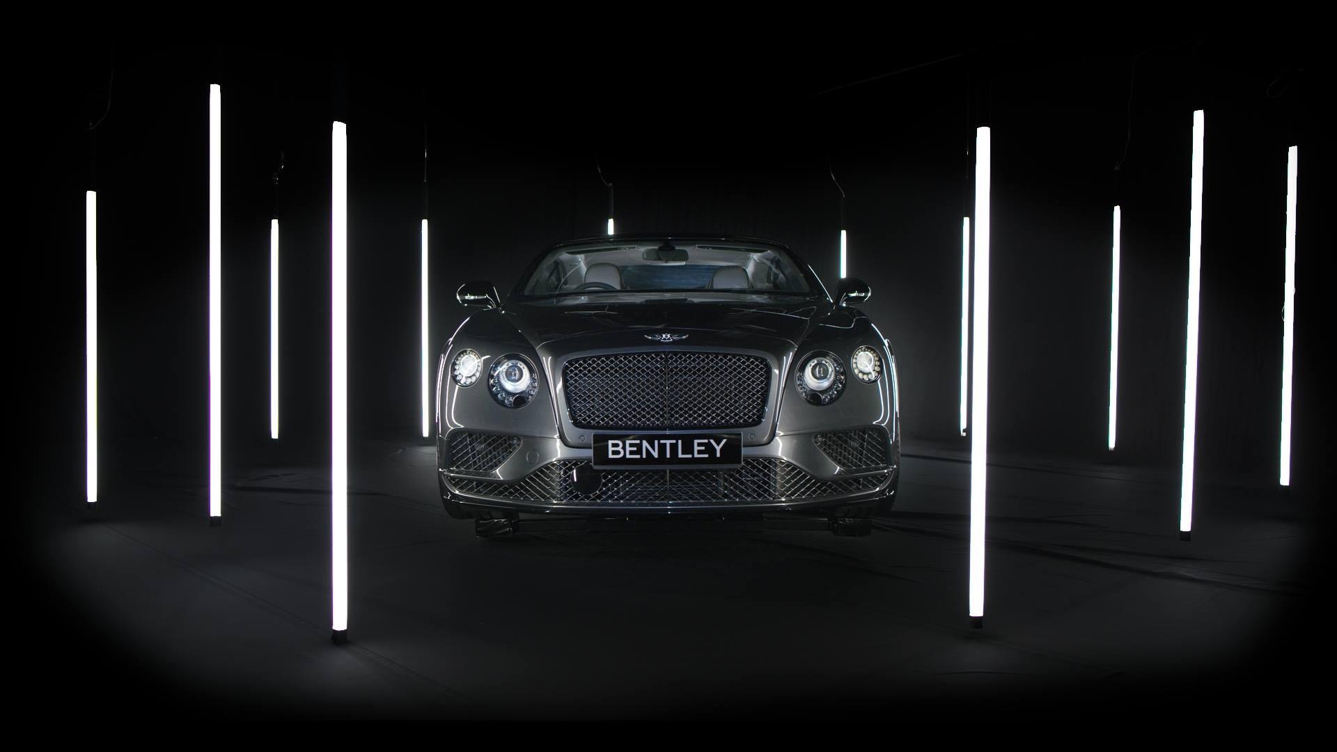 High concept Bentley spec commercial car advert using encapsulites